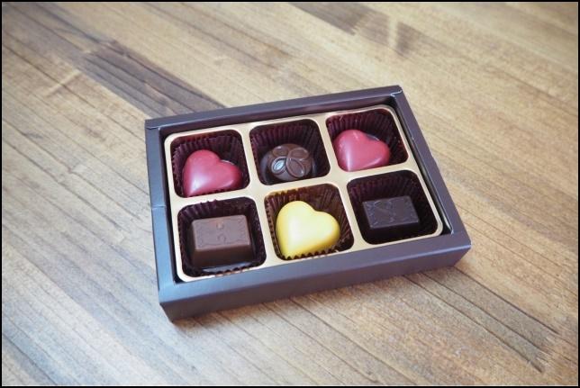 大人向けの一口チョコレートの画像