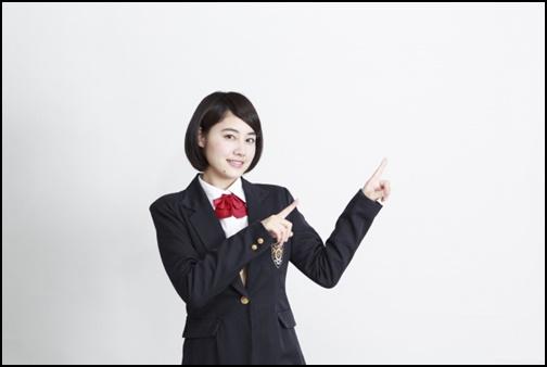 大学入試の面接にふさわしい女性の髪型は?を紹介する女子高生の画像