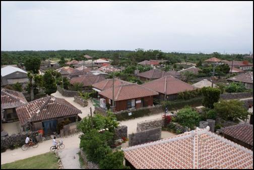 竹富島の集落の画像