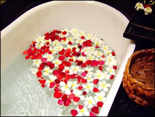 バラのお風呂の画像