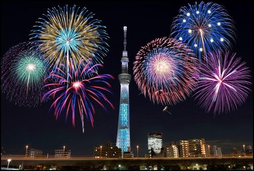 隅田川の花火大会の画像