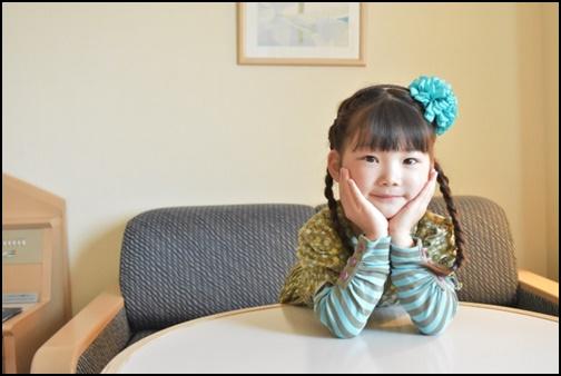 4歳の女の子の画像