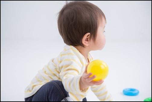 1歳児の男の子の画像