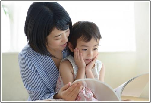 母親と幼児の画像2