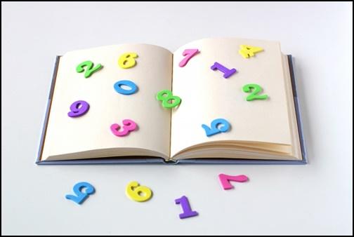本と数字の画像