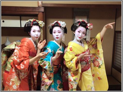 京都で女子旅、女性3人で舞妓体験の画像