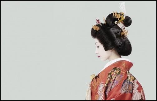 舞妓さんの横顔の画像