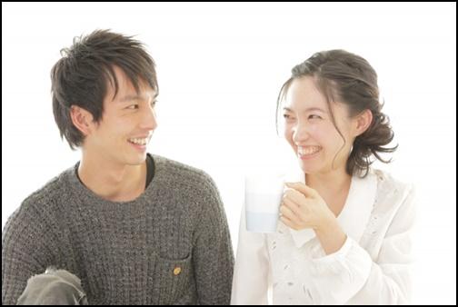 笑顔のカップル画像