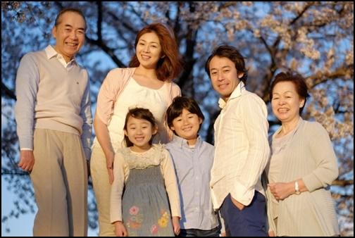 家族3世代の画像