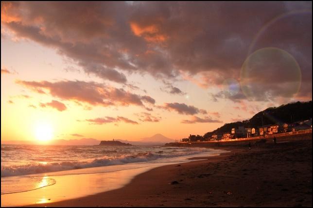 浜辺と夕焼けの画像