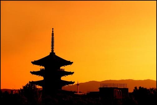 京都の夕陽の画像