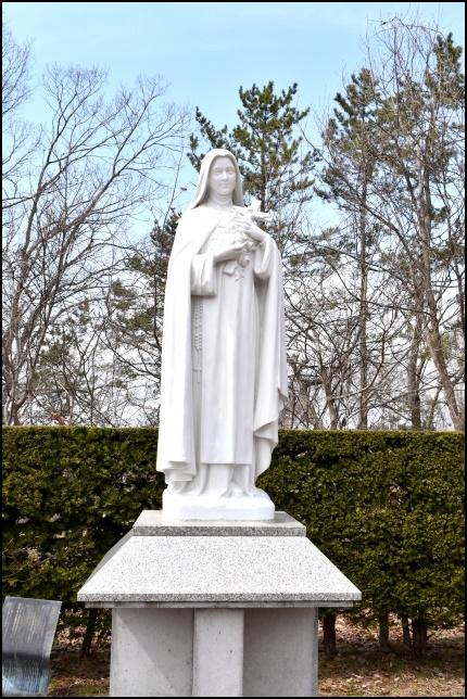 トラピスチヌ修道院のマリア像の画像
