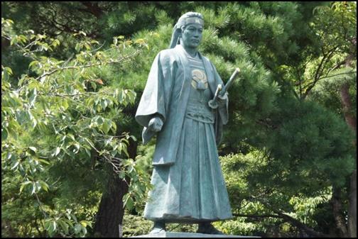 土方歳三の銅像画像