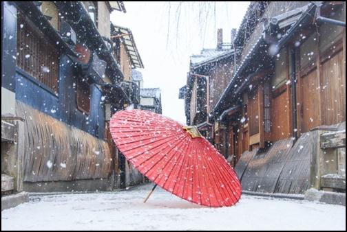 京都の雪化粧の画像