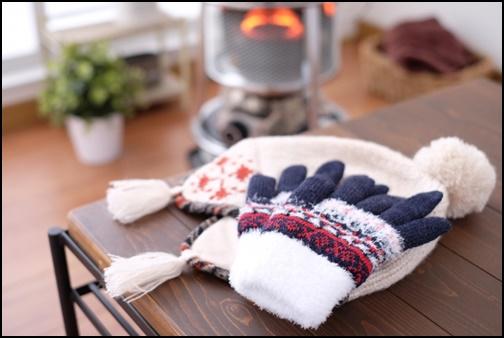 手袋とニット帽の画像
