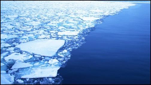 オフォーツク海の流氷の画像