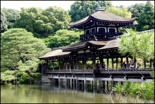 平安神宮の神苑の画像