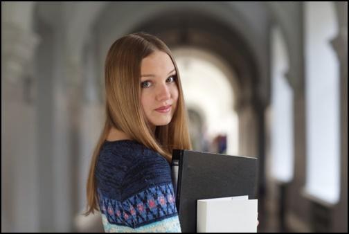 外国人の女子大生の画像