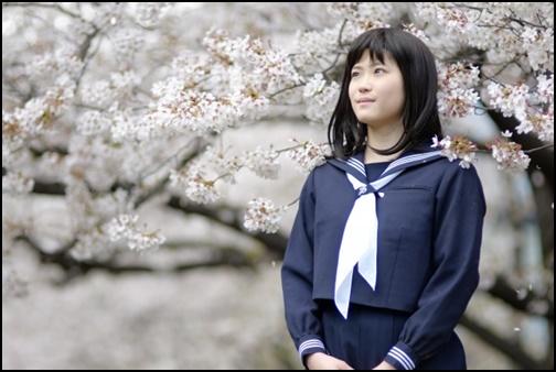 卒業式前の女子高生の画像