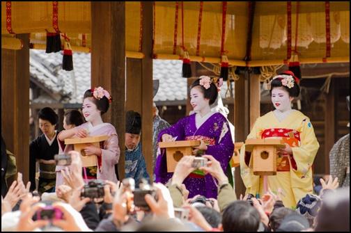 京都の舞妓さんの節分の画像