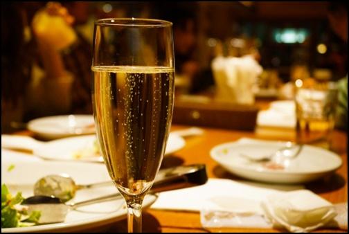 スパークリングワインの画像