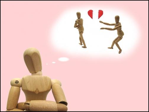恋愛をイメージさせる人形画像