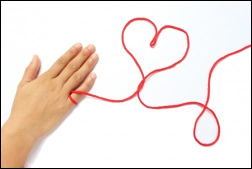 運命の赤い糸の画像
