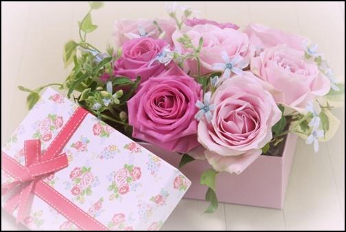 バラの花束のプレゼントBOXの画像