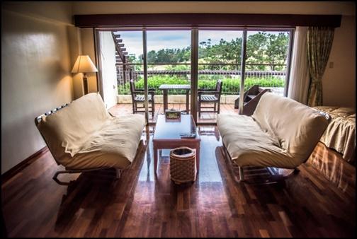 沖縄のホテルの部屋の画像