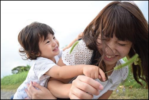 子供と母親がジャレル画像