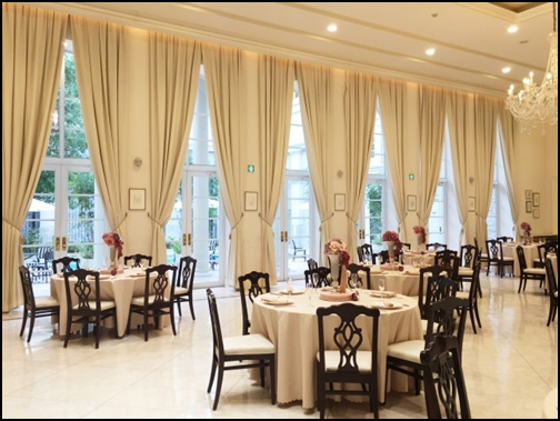 ホテルのレストラン画像