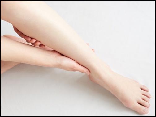 脱毛後の綺麗な足の画像