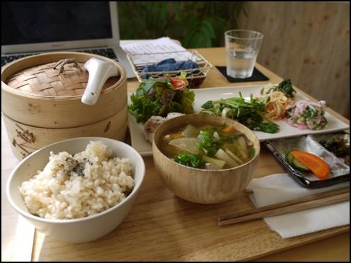 野菜たっぷりの和食画像