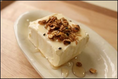 豆腐とグラノーラの画像