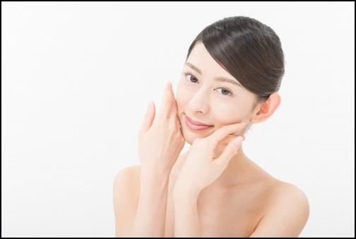 脱毛をうけて満足している女性の画像