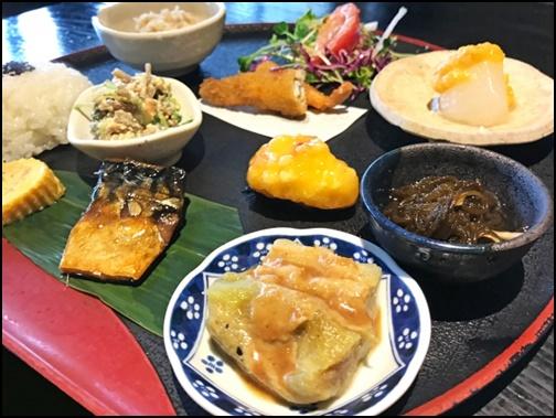 和食ご飯の画像