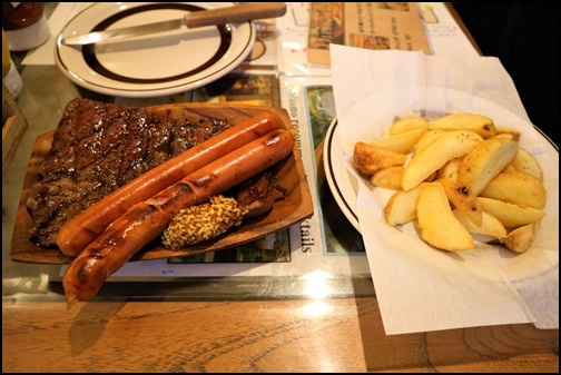炭火焼きステーキ&ウインナーの画像