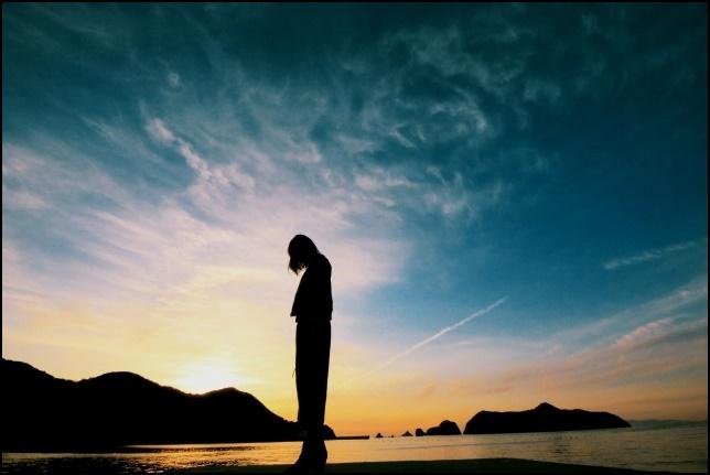 孤独・一人の女性の画像